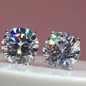 Jewelry - 14k white gold 8 ct diamond stud earrings silver
